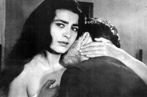 irene-papas-in-zorba-the-greek-comforting-the-boss
